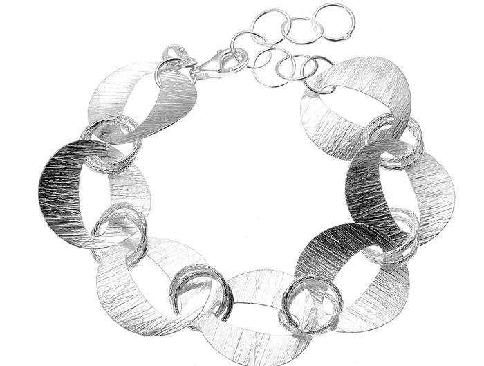 LightUp®Paweł Królikiewicz, zdjęcia biżuterii, packshot, jubilerstwo, biżuteria, lightup, zdjęcia dla jubilerów, zdjęcie bransoletki srebrnej, srebro, bransoletka