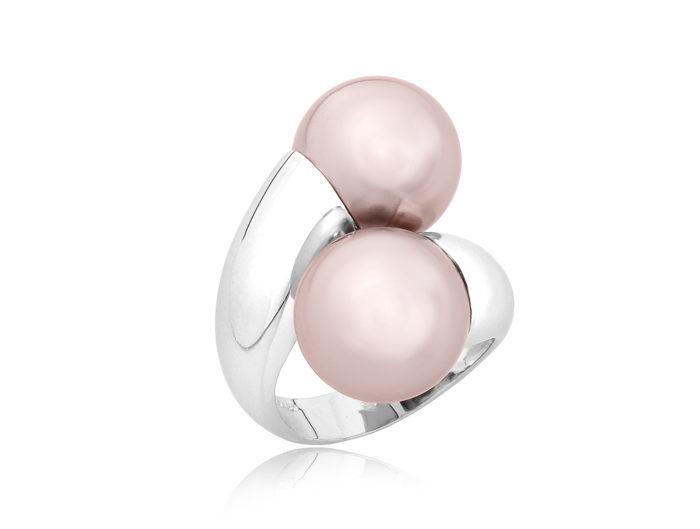 LightUp®Paweł Królikiewicz, zdjęcia biżuterii, packshot, jubilerstwo, biżuteria, lightup, zdjęcia dla jubilerów, pierścionek z perłami