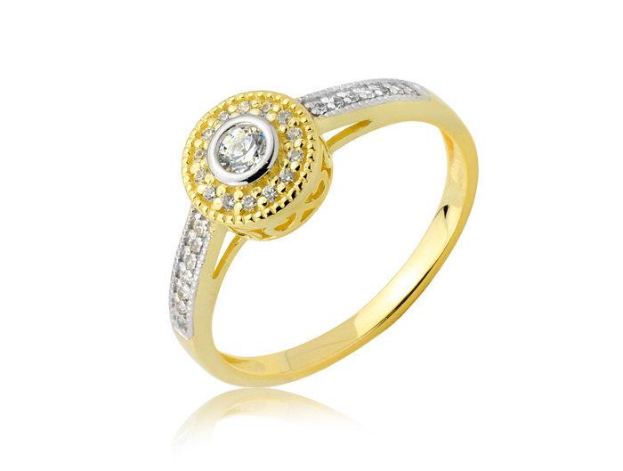 LightUp®Paweł Królikiewicz, Pierścionek złoty z cyrkoniami, packshot, fotograf biżuterii, biżuteria złota, Lightup