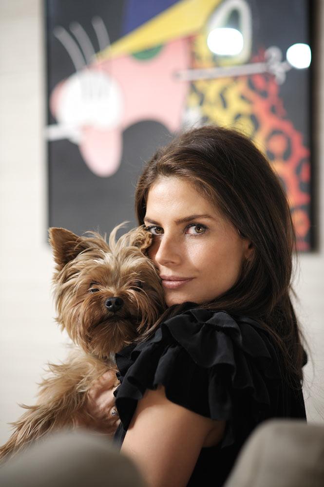 LightUp®Paweł Królikiewicz, Weronika Rosati z psem, zdjęcia wizerunkowe, fotograf z Poznania Lightup