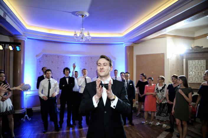 Zdjęcia slubne, fotografia ślubna, plener ślubny, sesja ślubna, wedding, lightup, fotograf, na ślub, inspiracje ślubne, pan młody, ślub, sesja ślubna, fotograf ślubny Poznań, oczepiny
