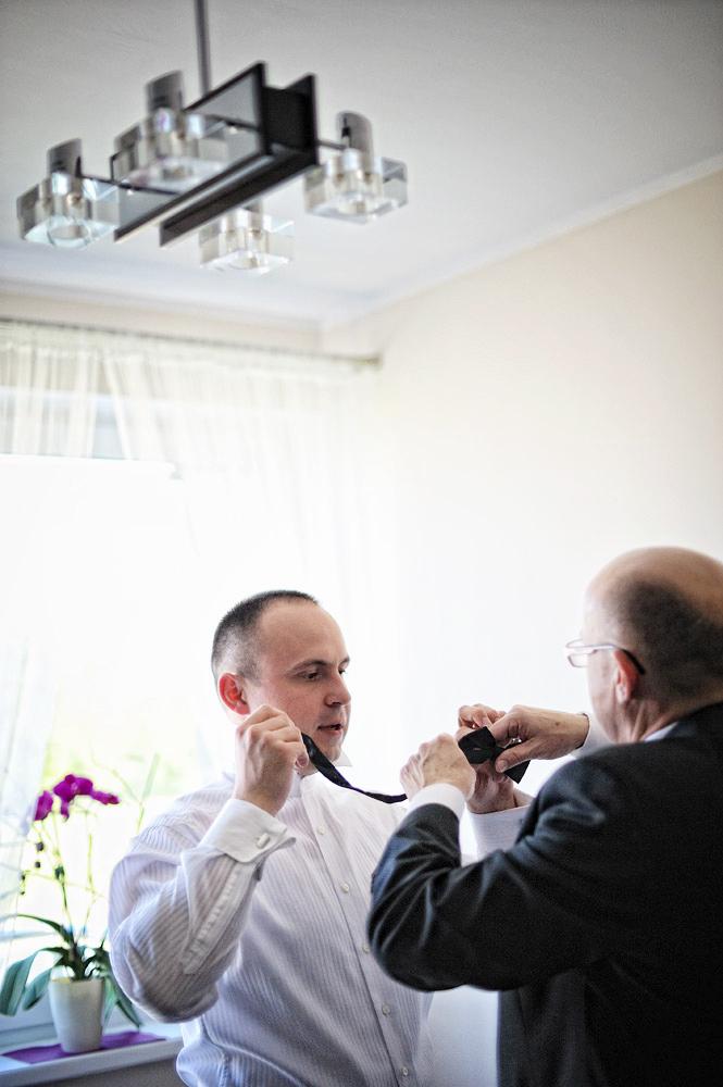 Zdjęcia slubne, fotografia ślubna, plener ślubny, przygotowania, sesja ślubna, wedding, lightup, fotograf, na ślub, inspiracje ślubne, pan młody, ślub