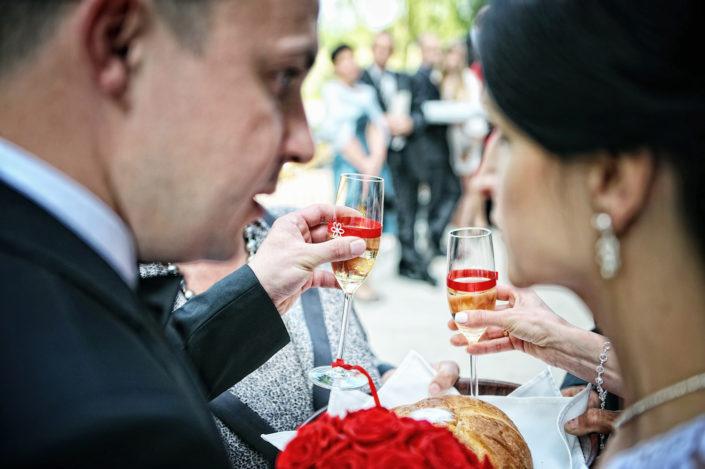 Zdjęcia slubne, fotografia ślubna, plener ślubny, przygotowania, sesja ślubna, wedding, lightup, fotograf, na ślub, inspiracje ślubne, panna młoda, ślub, wesele, toast