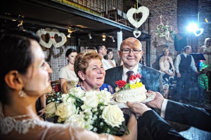 Zdjęcia slubne, fotografia ślubna, plener ślubny, przygotowania, sesja ślubna, wedding, lightup, fotograf, na ślub, inspiracje ślubne, panna młoda, ślub, wesele, podziękowania rodzicom