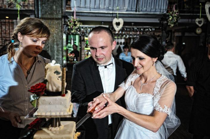 Zdjęcia slubne, fotografia ślubna, plener ślubny, przygotowania, sesja ślubna, wedding, lightup, fotograf, na ślub, inspiracje ślubne, panna młoda, ślub, wesele, tort