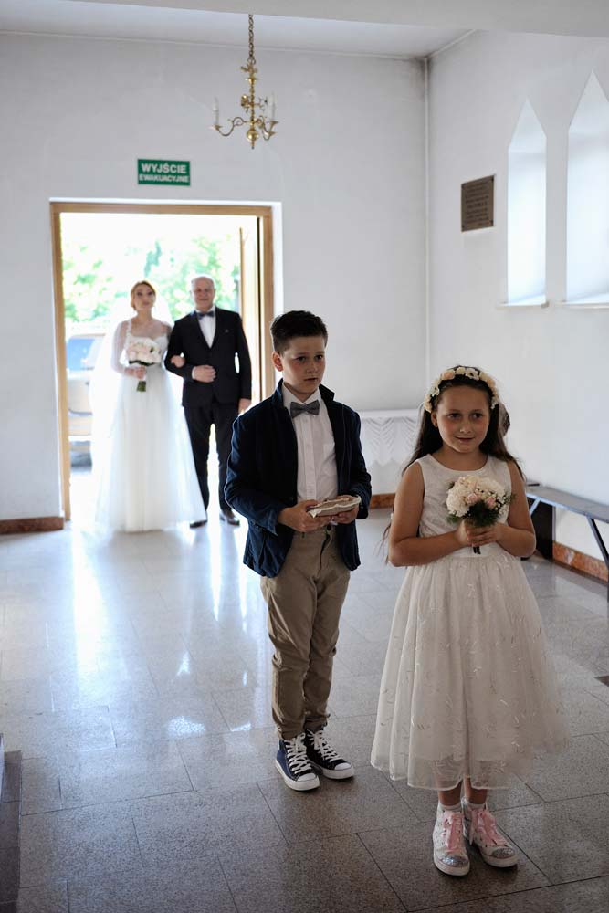 Zdjęcia slubne, fotografia ślubna, plener ślubny, sesja ślubna, wedding, lightup, fotograf, na ślub, inspiracje ślubne, panna młoda, ślub